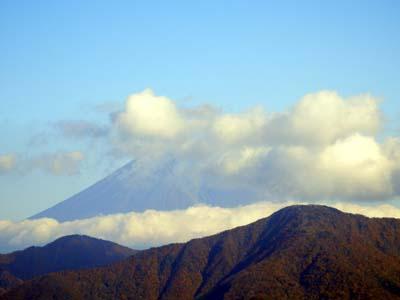 山頂からの雲富士.JPG