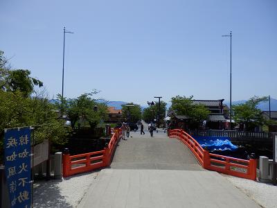 武田神社参道.png