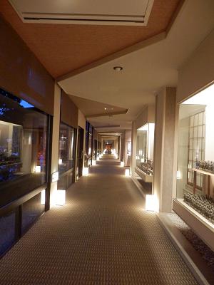 清風園 お風呂への道.png