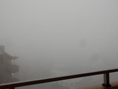 濃霧の朝.png