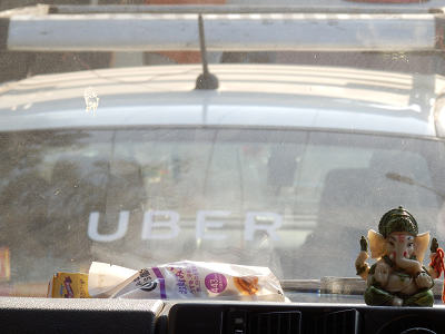 india UBERタクシー.png
