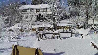 190305雪の庭.png